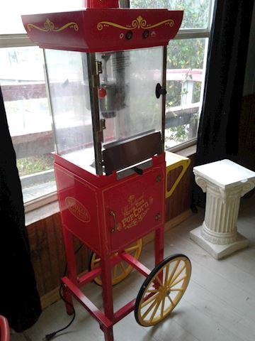 Vintage style concession popcorn popper
