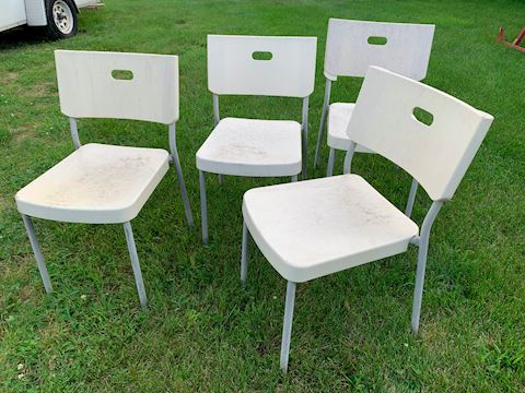 set of 4 chairs Lot # 219