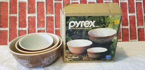 Pyrex Woodland nesting bowl set of 3