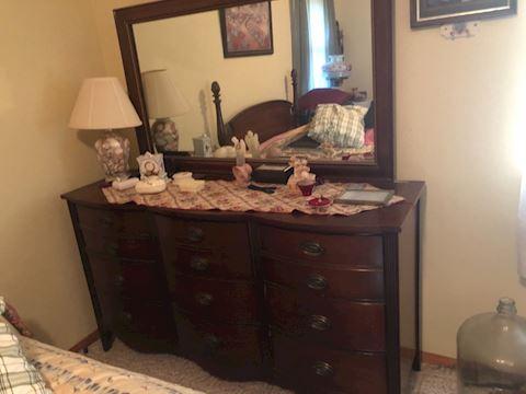 Mahogany bedroom set dresser chest and head board