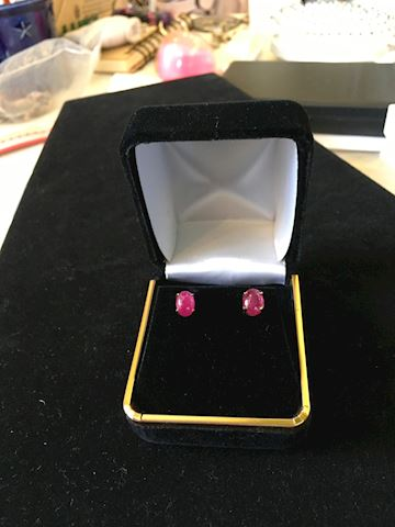 Cabochon Ruby 2.40 ct   14k Gold Stem Ladies