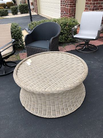 Round white wicker Ottoman