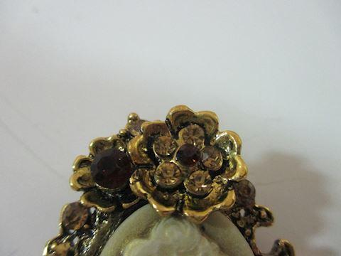 Gold Tone Amber Rhinestone Shell Cameo Pin