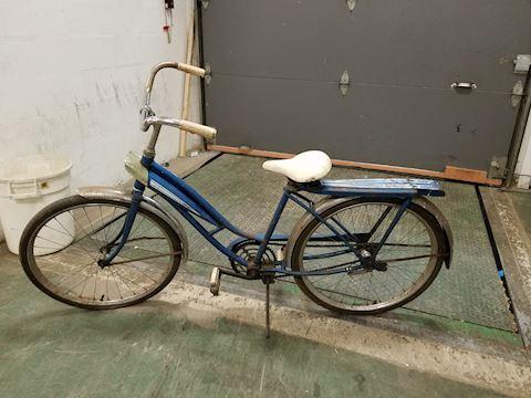 """Vintage Ladies Sears Cruiser 26"""" bicycle"""