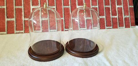 2 Bard's glass dome displays