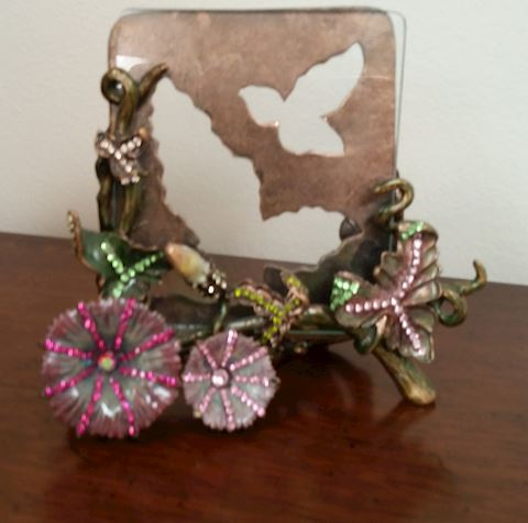 ORNATE JEWEL ENCRUSTED FRAME CRYSTALS AND FLOWERS