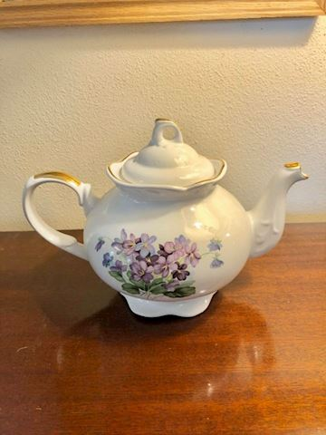 English Staffordshire teapot