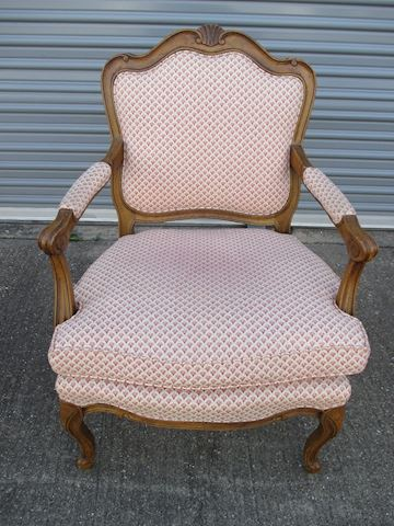 Vintage Queen Anne style Chair