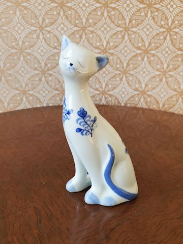 Blue and white cat porcelain figurine