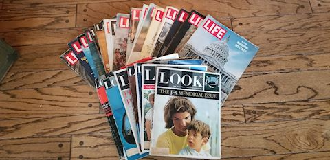 R 524   Old Life and Look Magazines