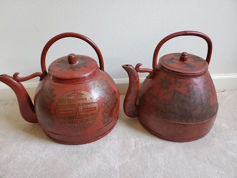 Pair of wood red Japanese teapots