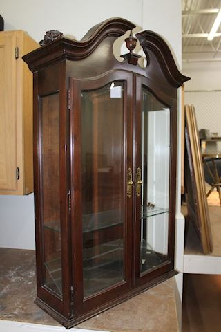 Ethan Allen 2pc Cherry Secretary Cabinet and Hutch