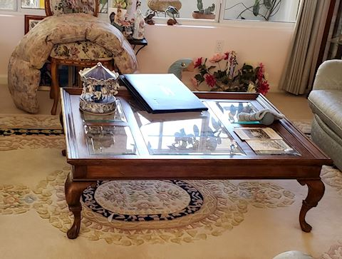 Coffee/Cocktail table with Beveled Glass