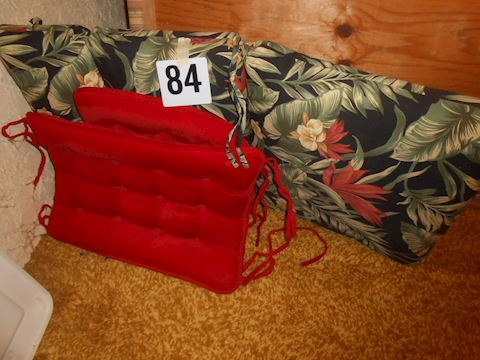 Lot #84 Outdoor cushions