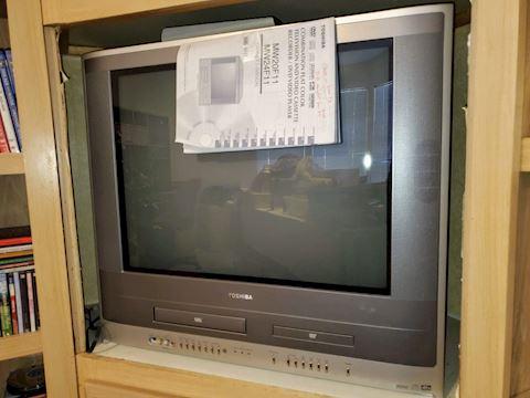 "Toshiba MW24F11 24"" TV DVD VCR Combo"