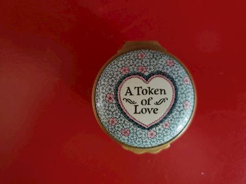 TRINKET BOX W/BOOKLET  A Token of Love