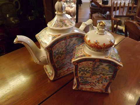 English Sadler Tea Pot/ Caddy Set `Tea Ceremony'