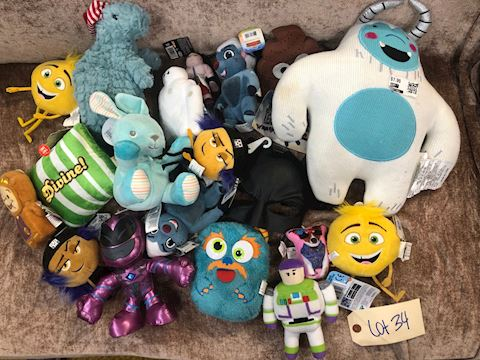 Lot of Assorted Stuffed Animals LOT 34