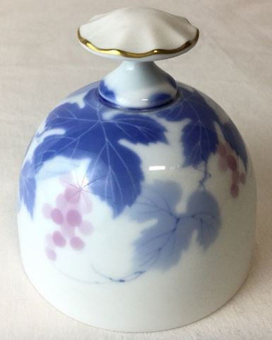 Fukagawa bell arite Japan blue white 80Q316
