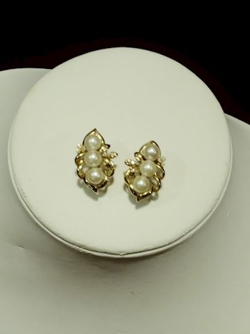 Pearl and Diamonds and Gold Earrings