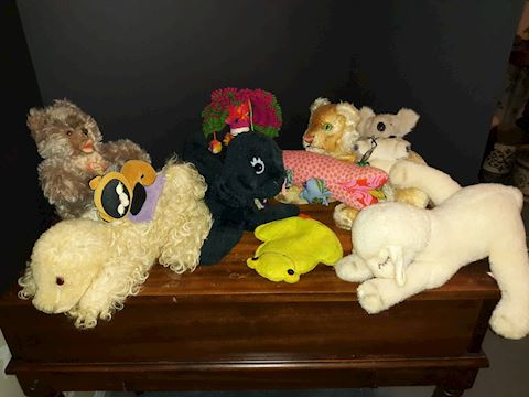 "SR  368  ""Assorted Stuffed Animals"""