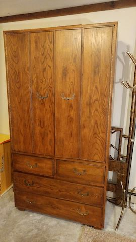 Henredon Chest of Drawers Artefacts / Wardrobe