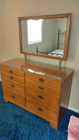 Vintage Dresser w/ Mirror / Solid Wood