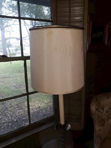 BD1  106  Dark Wood table lamp