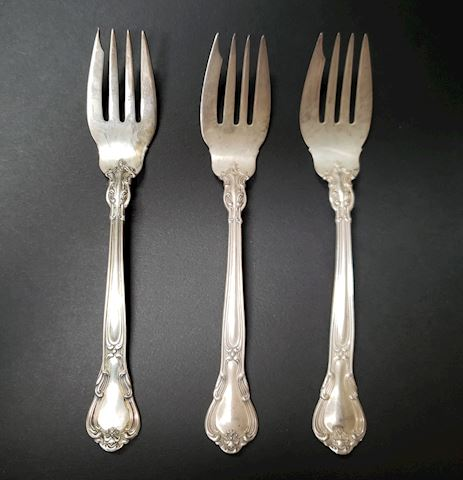 "3 GORHAM CHANTILLY SALAD/FISH FORKS 6-3/8"" NO MONO"