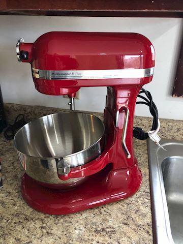 Kitchenaid Red Stand Mixer (Prefossional 5 Plus)