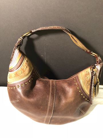 Coach pebbled leather handbag very good condition