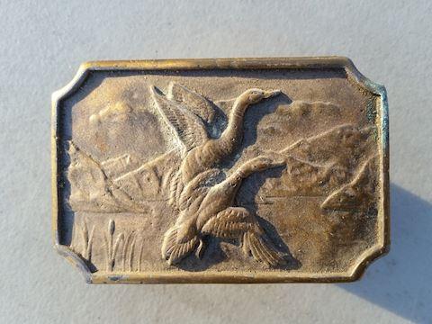 Geese flying hunting theme belt buckle vintage