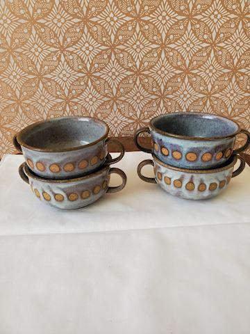 4 pottery soup bowls G-4
