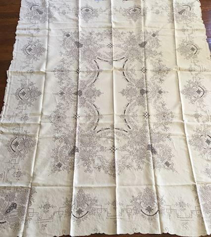 Embroidered Table Cloth & Napkins