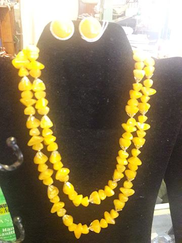 Vintage Yellow Bead Clip on & Necklace Set