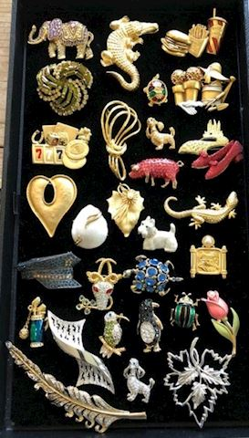 Lot of 29 Vintage and Costume Brooches and Pins