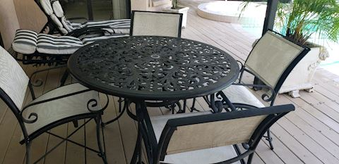 Patio Dining Table Round