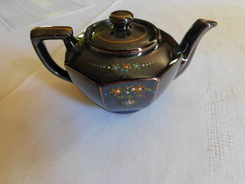 013 Japanese Hand Painted Sm Teapot