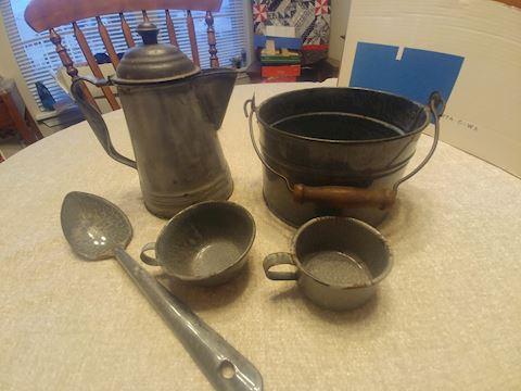 Kitchen, antique Graniteware,