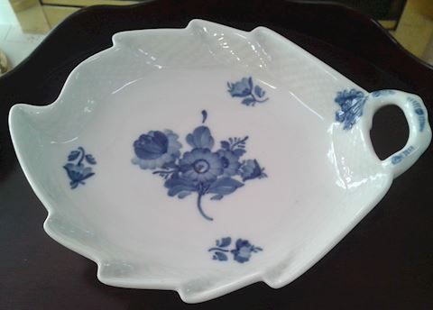ROYAL COPENHAGEN BLUE FLOWERS  PICKLE DISH 9""
