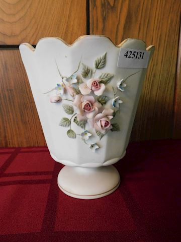 131 Lefton China Rose Vase #1043