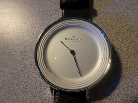 SKAGEN  WOMAN'S WATCH - Denmark