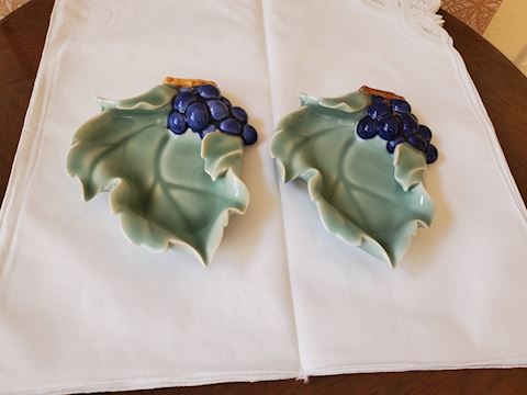 Two small porcelain decorative dishes