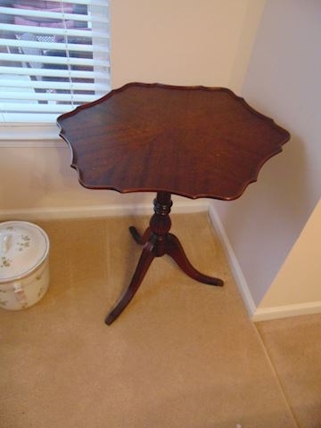 Antique Mahogany Butterfly Table