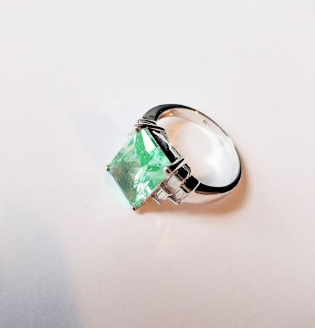 Sterling Silver Ring Peridot Gemstone