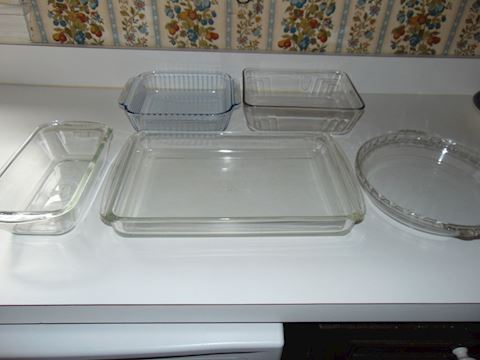 Six-piece Pyrex Glass Bake Set