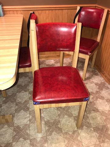 Kitchen table chairs (6 available)