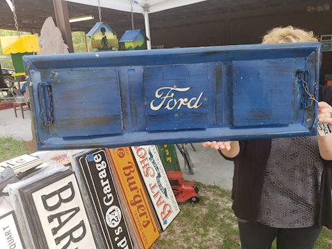 Smaller size ford tailgate sign