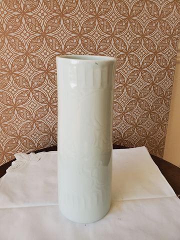 Japanese tall cream ceramic vase H-2