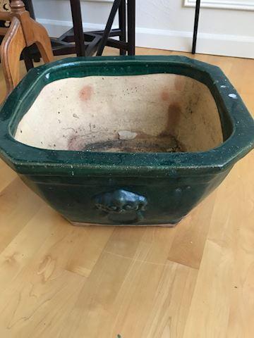 Shallow green pot